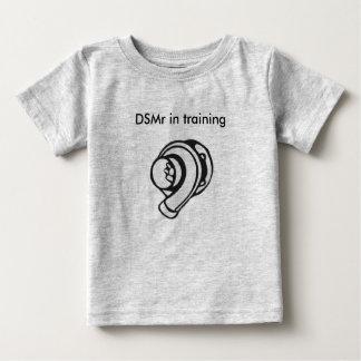 Camiseta Para Bebê DSMr no treinamento