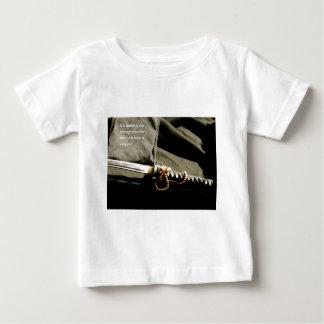 Camiseta Para Bebê É melhor ser uma preferencialmente da arma do que
