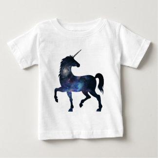 Camiseta Para Bebê É um universo do unicórnio