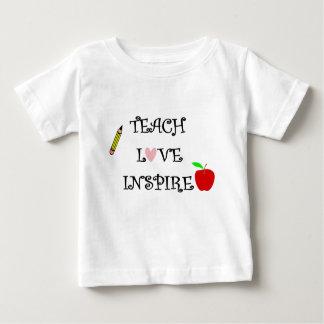 Camiseta Para Bebê ensine o amor inspiram