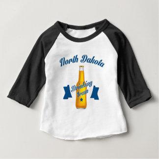 Camiseta Para Bebê Equipe do bebendo de North Dakota