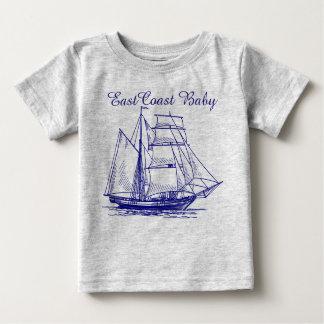 Camiseta Para Bebê Escuna do navio do veleiro do bebê da costa leste