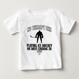 Camiseta Para Bebê esfrie e tendendo o DESIGN do hóquei em gelo