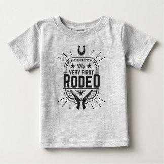 Camiseta Para Bebê Este É realmente meu PRIMEIRO t-shirt do RODEIO