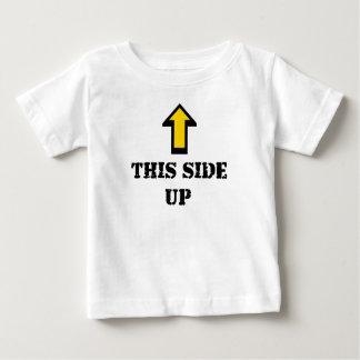 Camiseta Para Bebê Este lado acima do t-shirt