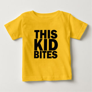Camiseta Para Bebê Este miúdo morde