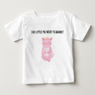 Camiseta Para Bebê Este porco pequeno foi introduzir no mercado