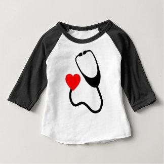 Camiseta Para Bebê Estetoscópio com coração