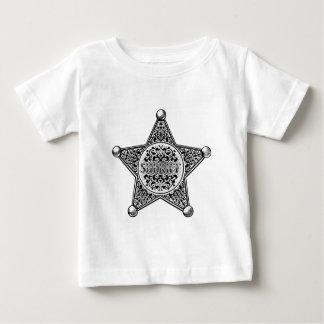 Camiseta Para Bebê Estilo gravado crachá da estrela do xerife