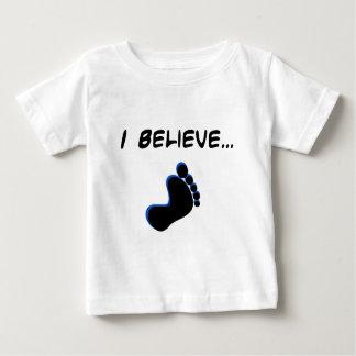 Camiseta Para Bebê Eu acredito em Bigfoot