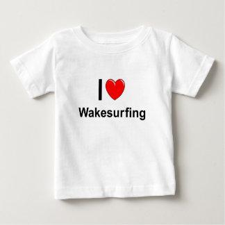 Camiseta Para Bebê Eu amo o coração Wakesurfing