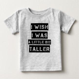Camiseta Para Bebê Eu desejo que eu era um bebé engraçado um pouco