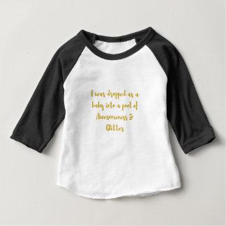 Camiseta Para Bebê Eu fui deixado cair como um bebê em uma piscina de