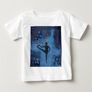 Camiseta Para Bebê Eu mantenho minha menina da ioga do equilíbrio