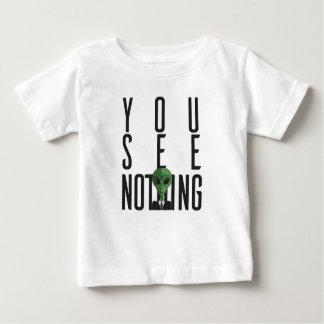 Camiseta Para Bebê Eu não ver nada com alienígena verde em um terno