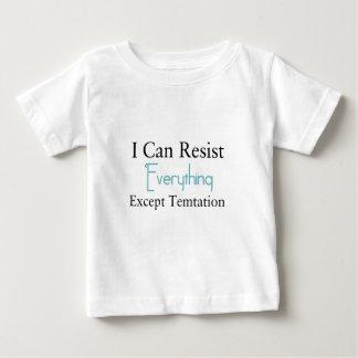 Camiseta Para Bebê Eu posso resistir tudo exceto a tentação