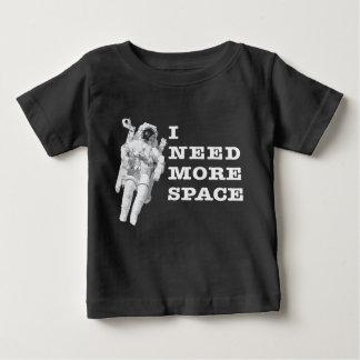 Camiseta Para Bebê Eu preciso mais espaço