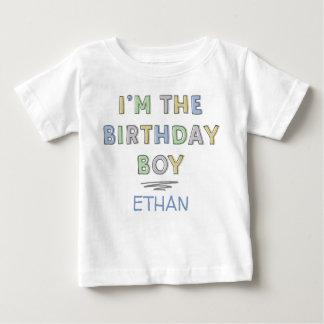 Camiseta Para Bebê Eu sou o menino do aniversário - personalizado