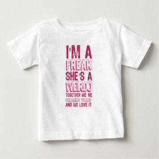 Camiseta Para Bebê eu sou um ANORMAL que é um ESQUISITO.