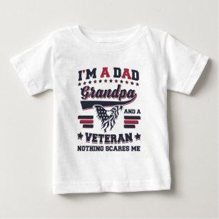 Camiseta Para Bebê Eu sou um veterano do vovô do pai