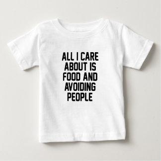 Camiseta Para Bebê Evitando pessoas