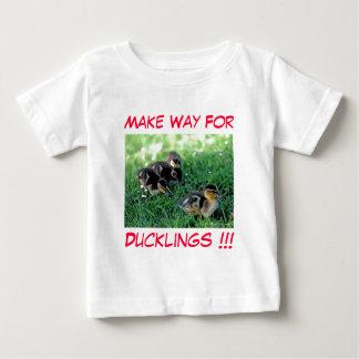 Camiseta Para Bebê Faça a maneira para patinhos!!!