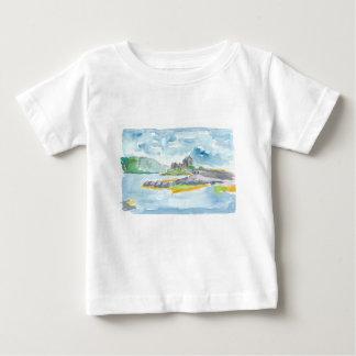 Camiseta Para Bebê Fantasia das montanhas de Scotland e castelo de