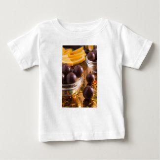 Camiseta Para Bebê Fim-acima redondo do chocolate dos doces