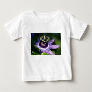 Camiseta Para Bebê Flor da paixão