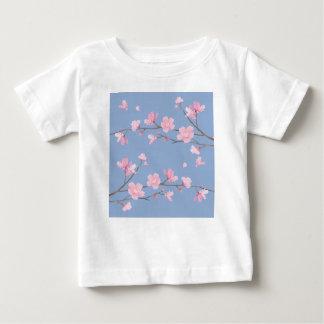 Camiseta Para Bebê Flor de cerejeira - azul da serenidade