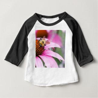 Camiseta Para Bebê Flor roxa do cone com abelha