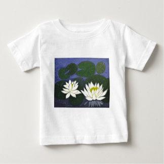 Camiseta Para Bebê Flores brancas de Waterlily, pintura acrílica
