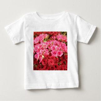Camiseta Para Bebê Flores nas Filipinas, no rosa e nas rosas
