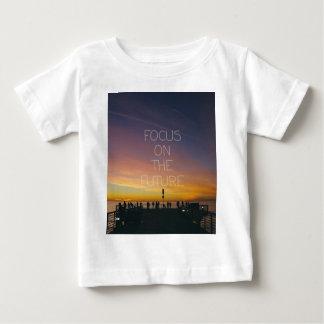 Camiseta Para Bebê foco no futuro