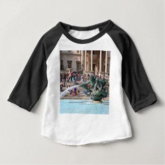 Camiseta Para Bebê Fonte, quadrado de Trafalgar, Londres, Inglaterra