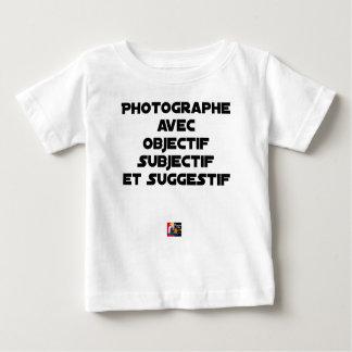 Camiseta Para Bebê Fotógrafo com objectivo subjectivo e sugestivo