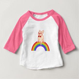 Camiseta Para Bebê Frenchie comemora o mês do orgulho no arco-íris de