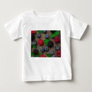 Camiseta Para Bebê fundo da fruta de baga