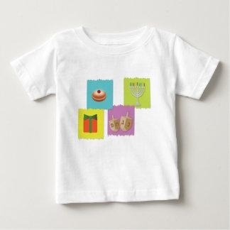Camiseta Para Bebê fundo do cartão de hanukkah