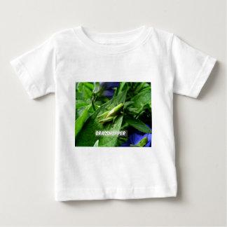 Camiseta Para Bebê Gafanhoto na folha