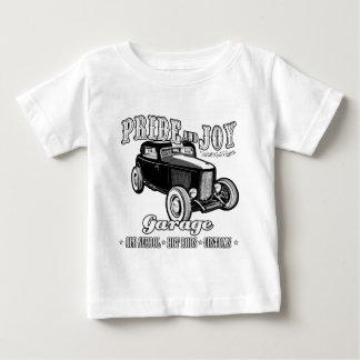 Camiseta Para Bebê Garagem do hot rod do orgulho e da alegria. Fundo