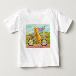 Camiseta Para Bebê Gato alaranjado em uma bicicleta roxa
