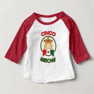 Camiseta Para Bebê Gato engraçado para o feriado do mexicano de Cinco