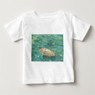 Camiseta Para Bebê grande natação da tartaruga do rio