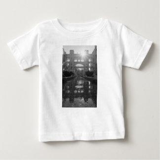Camiseta Para Bebê Grayscale do Sunburst de Coronado