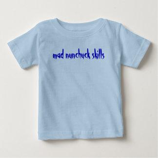 Camiseta Para Bebê habilidades loucas do nunchuck