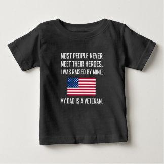 Camiseta Para Bebê Heróis da reunião meu pai um veterano