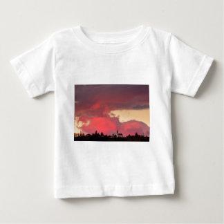 Camiseta Para Bebê Igreja do santo Nicholas no por do sol