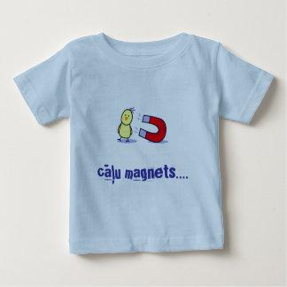 Camiseta Para Bebê ímã do pintinho do bebê (letão)