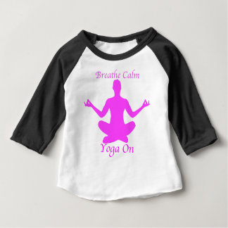 Camiseta Para Bebê Ioga BreatheCalmYogaOn